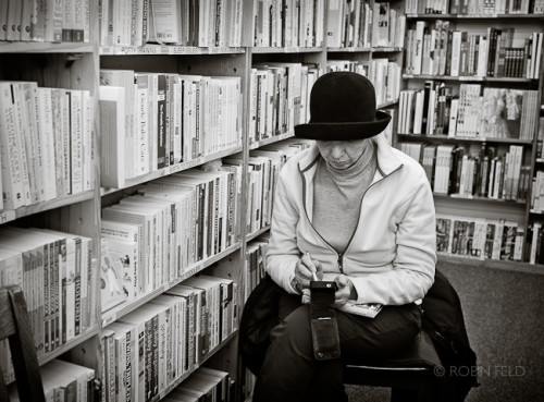 Using smart phone in the bookstore