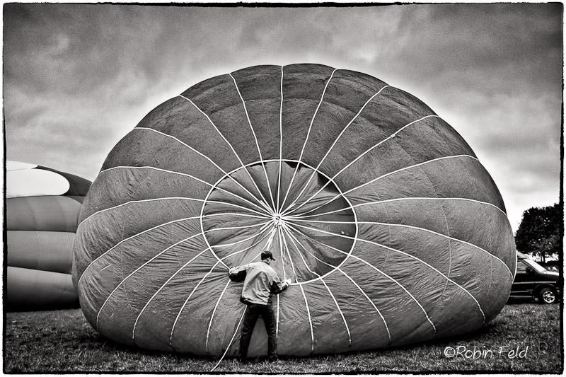 Balloon-wrangler-bw